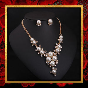 NWOT Pearl & Rhinestone Necklace Set  #JWL-724